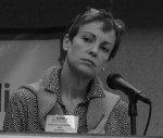 kobieta podczas konferencji